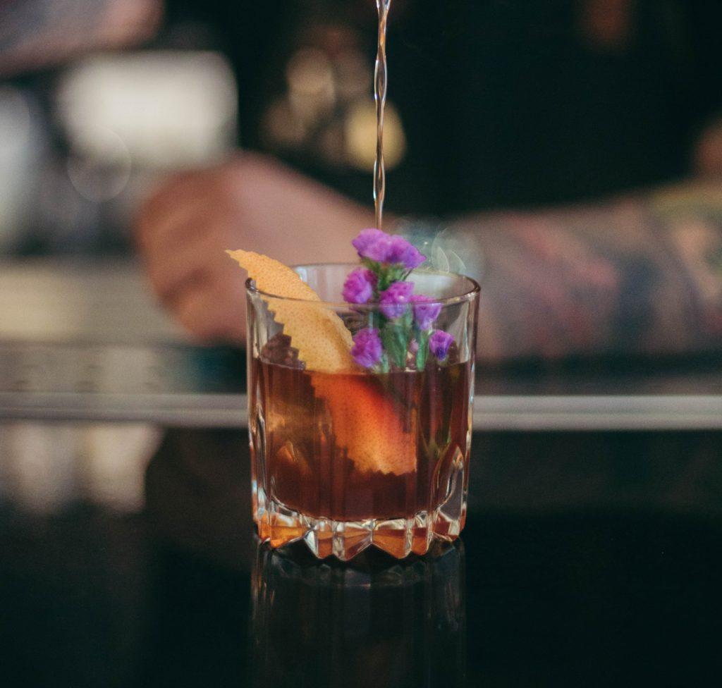 garneringen cocktail