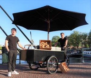 fries cycle bakfiets met eigenaars abel en floris